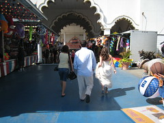 Leaving the amusement park (kaltersitz) Tags: ttd