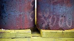 Parkert -|- Parked (erlingsi) Tags: yellow rust oc rost 169 rouille gult scana erlingsi erlingsivertsen rostiges xidos texturasnaturales