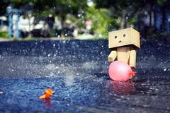 Water Balloon Splash (willycoolpics.) Tags: summer water canon toy rebel dof balloon splash picnik xsi danbo revoltech danboard