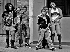 Cool & The Gang (Michelle Brea) Tags: street bw 6 art kids photography moments dominican photographer artistic dominicanrepublic dr dominicana singers fotografia capture rappers poses feelings artista santodomingo wannabes abigfave betterthangood michellebrea