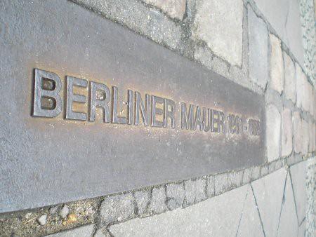 El muro de Berlín pasaba por aquí