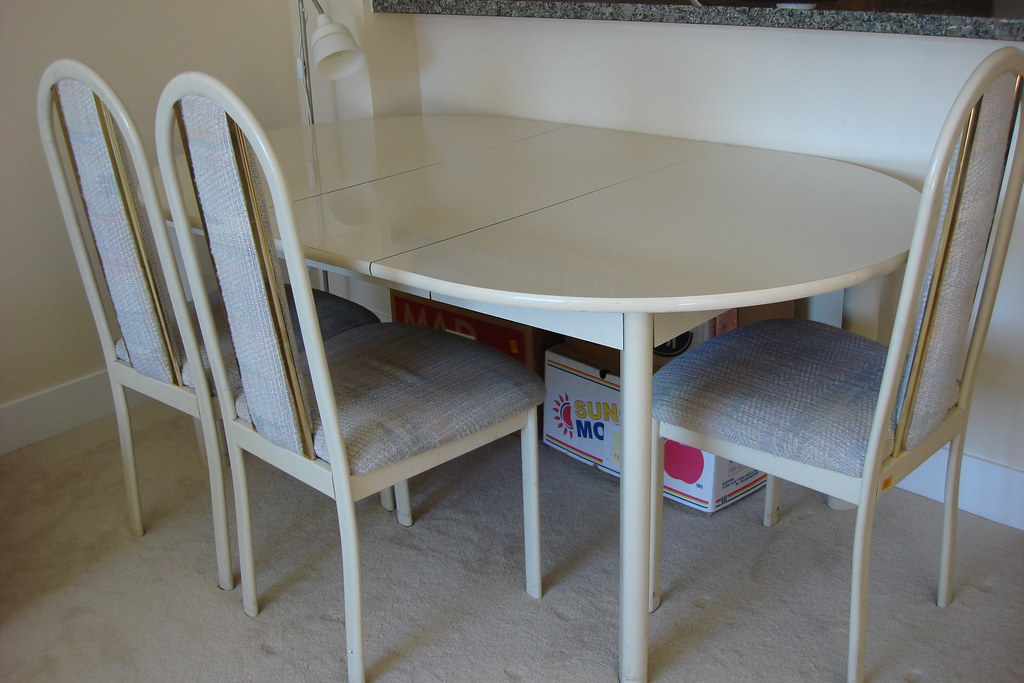 4 pieces dining table set