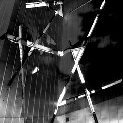 CAOS LINEAL - LINEAR CHAOS (juanluisgx) Tags: berlin museum facade germany deutschland chaos caos jewish museo fachada daniellibeskind linear blancinegre judio lineal