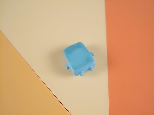 [36] こぬりちゃん.背後用貼紙封住磁鐵