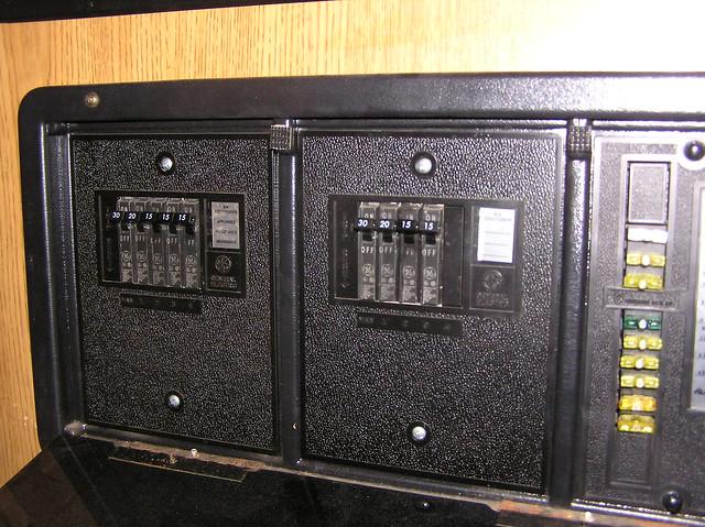 rv.net open roads forum: class a motorhomes: 100 amp service 100 amp fuse box configuration square d 100 amp fuse box