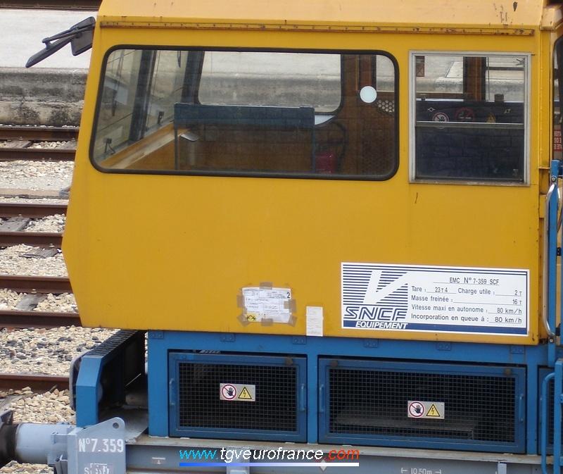 Plaque descriptive de l'EMC 7-359 SNCF