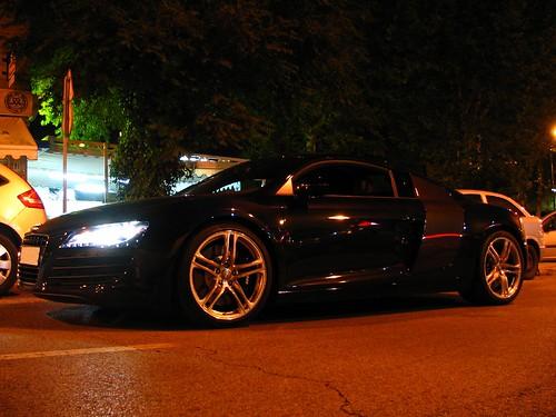 R8 VS RS4