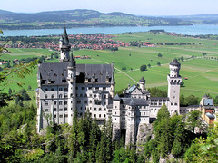 Neuschwanstein Castle (Bn) Tags: vacation holiday castle topf25 beautiful germany bayern bavaria topf50 europe view tourist disney topf300 topf100 topf200 breathtaking duitsland hohenschwangau kasteel schlossneuschwanstein fssen allgu mostphotographed topf400 beieren 100faves 50faves 200faves 35faves 25faves abigfave 300faves aplusphoto ibeauty 400faves 75faves saariyqualitypictures
