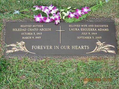 laura-headstone