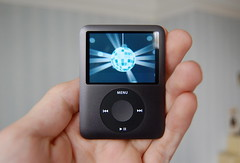 iPod Nano 3rd Generation (Andrew*) Tags: black apple video hand mp3 third discoball generation 3rd ipodnano