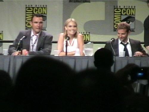 leslie bibb almay. Vinnie Jones, Leslie Bibb and Bradley Cooper
