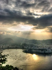 Sunset from Sugar Loaf (Quasebart) Tags: brazil rio brasil riodejaneiro clouds day bresil cloudy wolken brasilien loveit sugarloaf reflexions paodeacucar zuckerhut justclouds loveitneverflood bemflickrbembrasil brasilemimagens