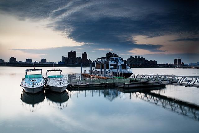 [大稻埕碼頭] 倒影 / Reflection at Dadaocheng Wharf