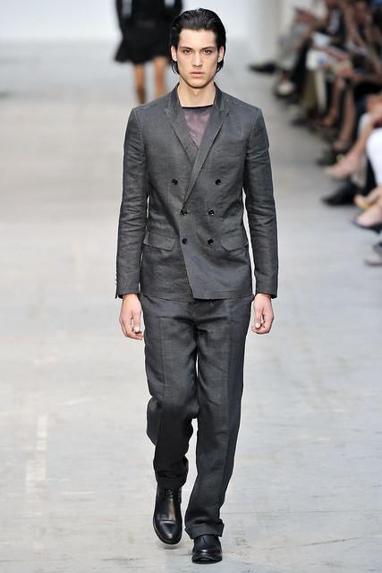 Gerrit Kramer3010_SS11_Milan_Costume National(VOGUEcom)