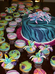 """Wild Fun"" cake and cupcakes (Glass Slipper Gourmet) Tags: cupcakes animalprints glassslippergourmet uniquebirthdaycake animalcakes"