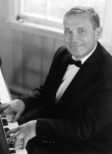 Gary the pianist