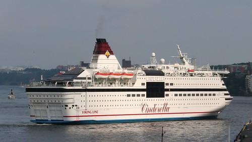 1225447663 f12890d7a3?v0 - Cinderella boat