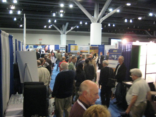 Cambridge House Investment Show Vancouver - crowds (CCE)