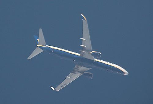 Ryanair B738 EI-DCM at 9319 m