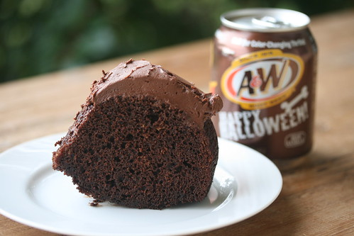 Root Beer Bundt - I Like Big Bundts