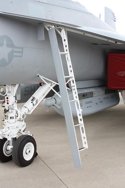 EAA10_EA-18G_12