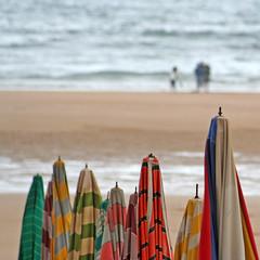 San Lorenzo (fertraban) Tags: mar gijón asturias playa sanlorenzo asturies xixón cantábrico sombrillas colorphotoaward aplusphoto ltytr1