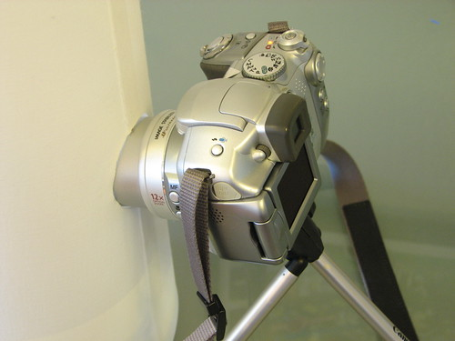 Camera looking into vertical light tent