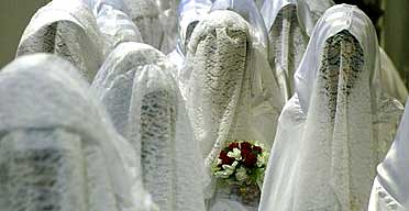 Islamic brides at mass wedding