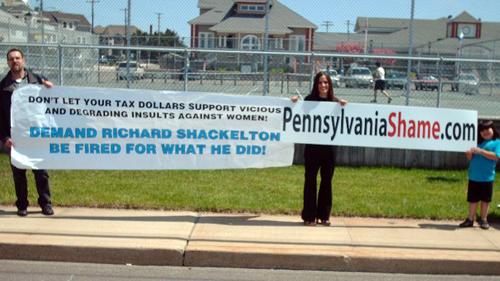 SHARK - 2010-04-24 - Protest of Richard Shackleton 2