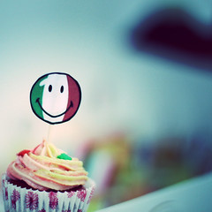 Italy mini cup cake (Fluffy cupcake - Tel: 66314531) Tags: red italy cup cake mini velvet