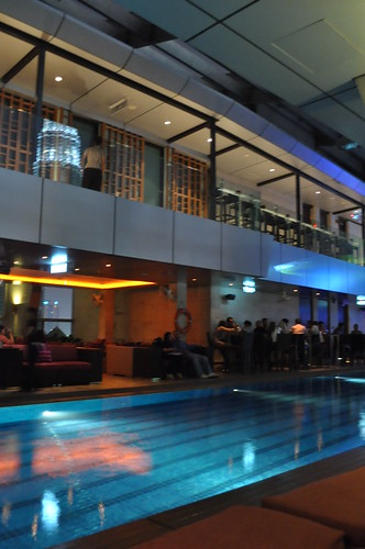 skybar pool
