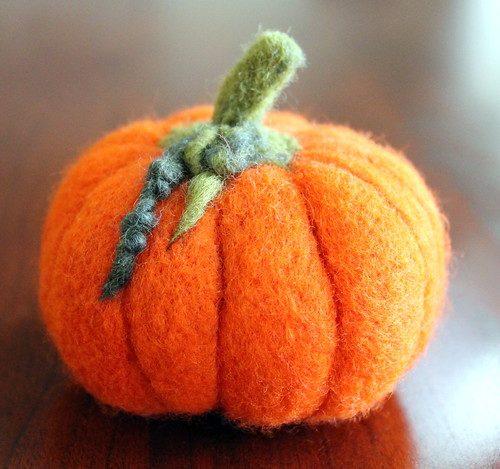 Felt Pin Cushion Pumpkin