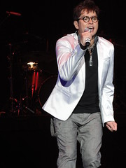 DSC01412 (JasperYue) Tags: music concert mr taichi 2011 alantam 譚詠麟 joeltang 太極樂隊