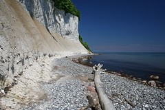 White and blue (Axel_) Tags: cliff beach strand germany deutschland balticsea kliff rgen wei ostsee kreidefelsen kreide chalkcliff