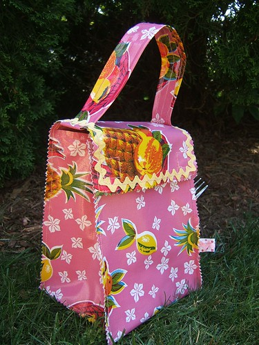 pink pineapple lunch bag 2