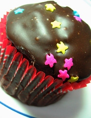Double Choco (TwistedHalo) Tags: cupcakes sweet philippines sugarrush gonutsdonuts