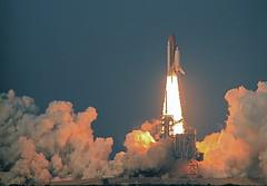 Endeavour STS-118 Blastoff
