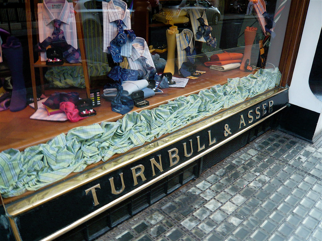 P1000997 Turnbull & Asser Shirtmakers to the Prince of Wales
