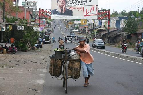 Entering bustling Yogyakarta...