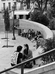 (...uno che passava... (senza ombrello)) Tags: madrid urban bw bn plazadeldosdemayo bncitt