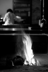 (Obacyan) Tags: blackandwhite fire flare hearth     japaninbw