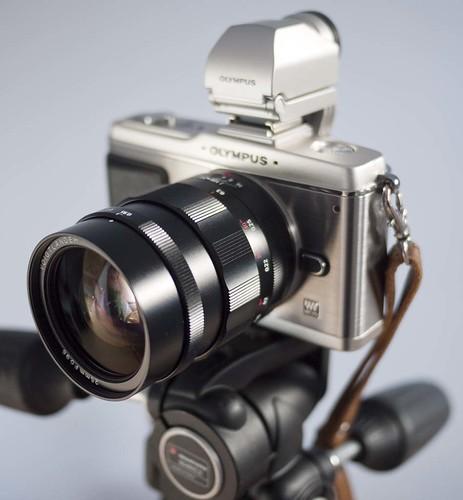 Voigtlander Nokton 25mm f/0.95 E-P2