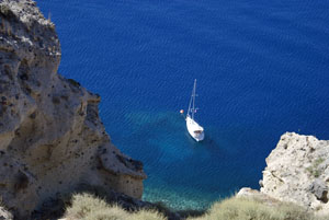 santorini yacht from oia cliffs