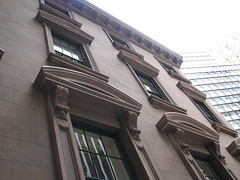 India House: side view (epicharmus) Tags: newyorkcity newyork building architecture manhattan landmark financialdistrict brownstone indiahouse nationalregisterofhistoricplaces hanoversquare nrhp newyorkcitylandmarkspreservationcommission nyclpc 1hanoversquare onehanoversquare hanoverbank newyorkcottonexchange nycottonexchange