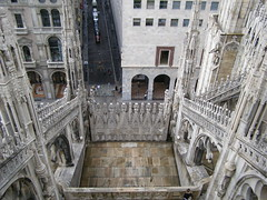 Katedra (magro_kr) Tags: city roof italy milan church italia cathedral milano duomo dach lombardia lombardy miasto katedra kosciol kościół włochy wlochy mediolan