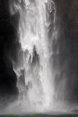 Snoqualmie Falls (Belltown) Tags: waterfall gravity snoqualmiefalls salishlodge i500