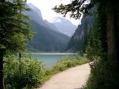 Trail at Lake Louise #2 (palestrina55) Tags: lake canada mountains 2004 water landscape geotagged path trail alberta rockymountains thumbsup lakelouise kanada banffnationalpark twothumbsup cans2s palestrina55 geo:lat=51411788 geo:lon=116233935