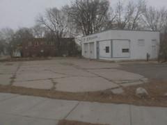 F&D Motorworks Lot, South Minneapolis (izzymunchted) Tags: bus minnesota minneapolis gone east domestic mpls condo condos foreign mn nokomis fd motorworks