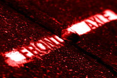 Blood in Birmania (apprendistasimo) Tags: street red macro blood under tshirt f1 birmania