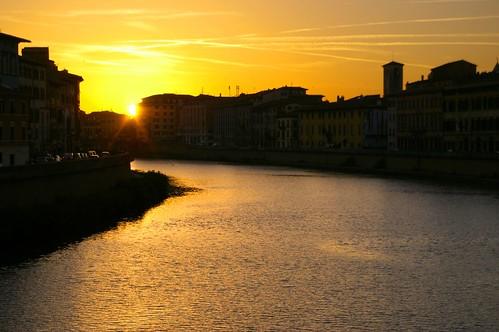 Pisa Arno atardecer